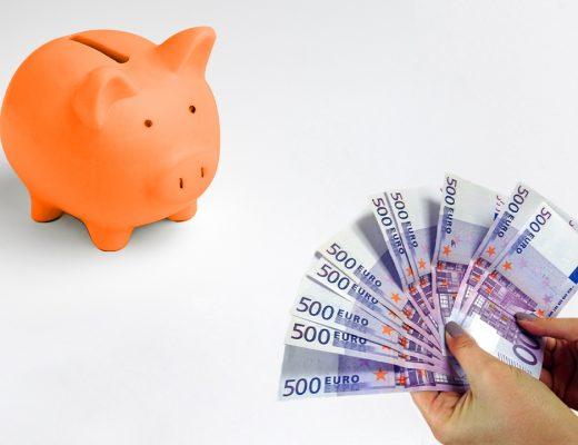 praciatko a bankovky 500 eur
