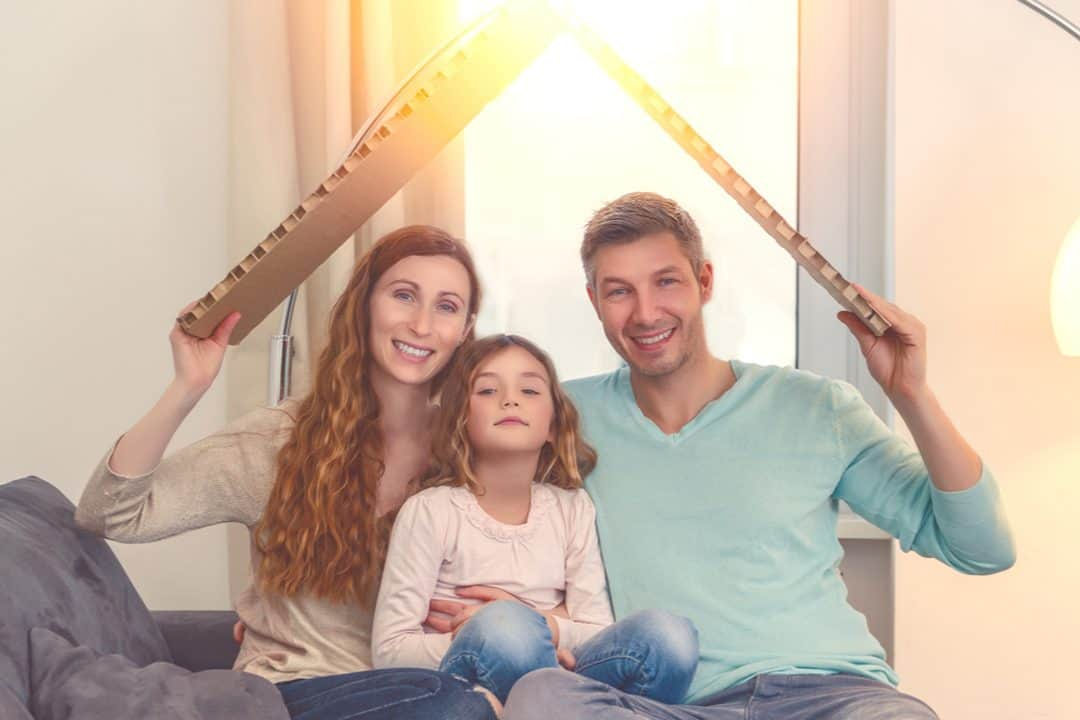 rodina pod strechou