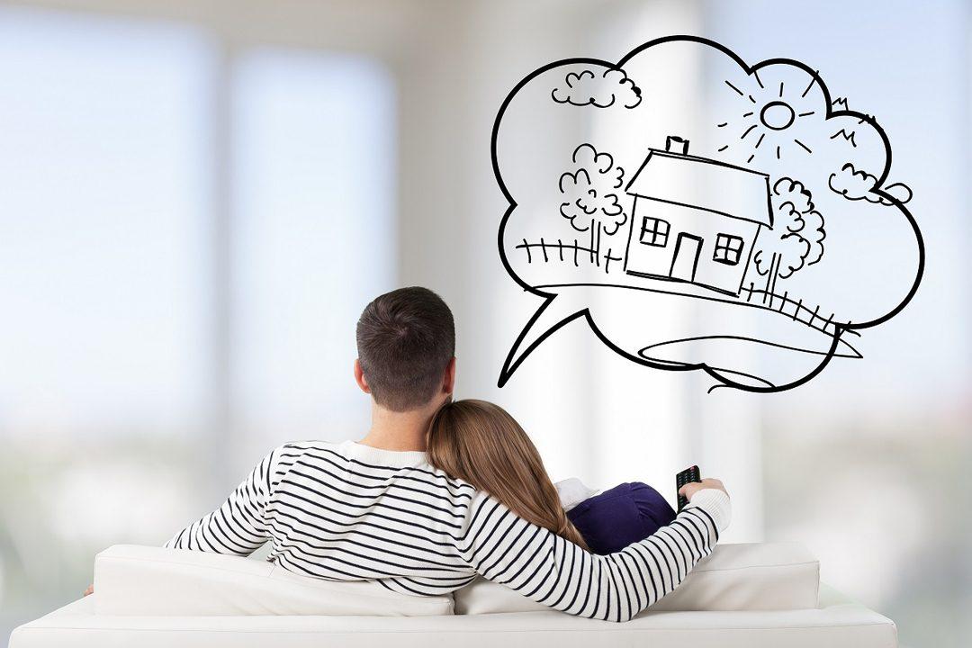 mladý pár sníva o vlastnom bývaní